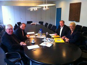 Minister Dirk NIebel und Dr. Birgit Reinemund MdB im Gespräch mit Prof. Meister von der Musikhochschule