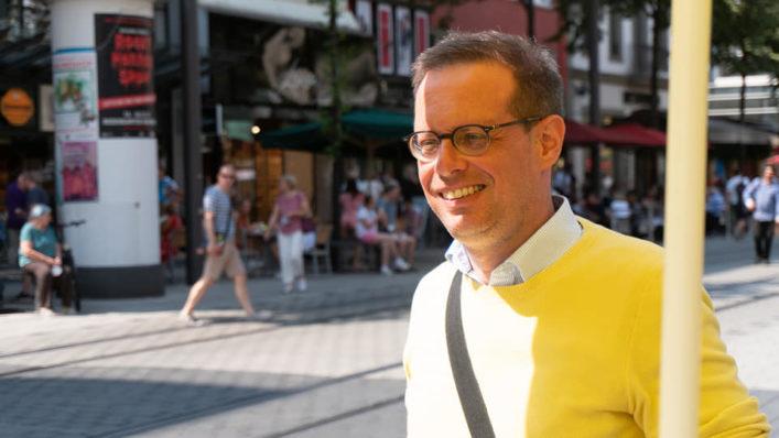 Konrad Stockmeier, Bundestagskandidat 2021 in Mannheim, am Infostand auf den Planken